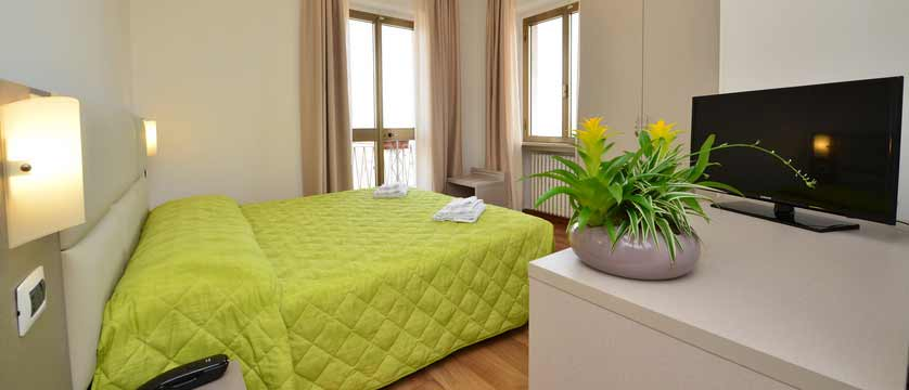 Bella Peschiera, Peschiera, Lake Garda, Italy - bedroom.jpg